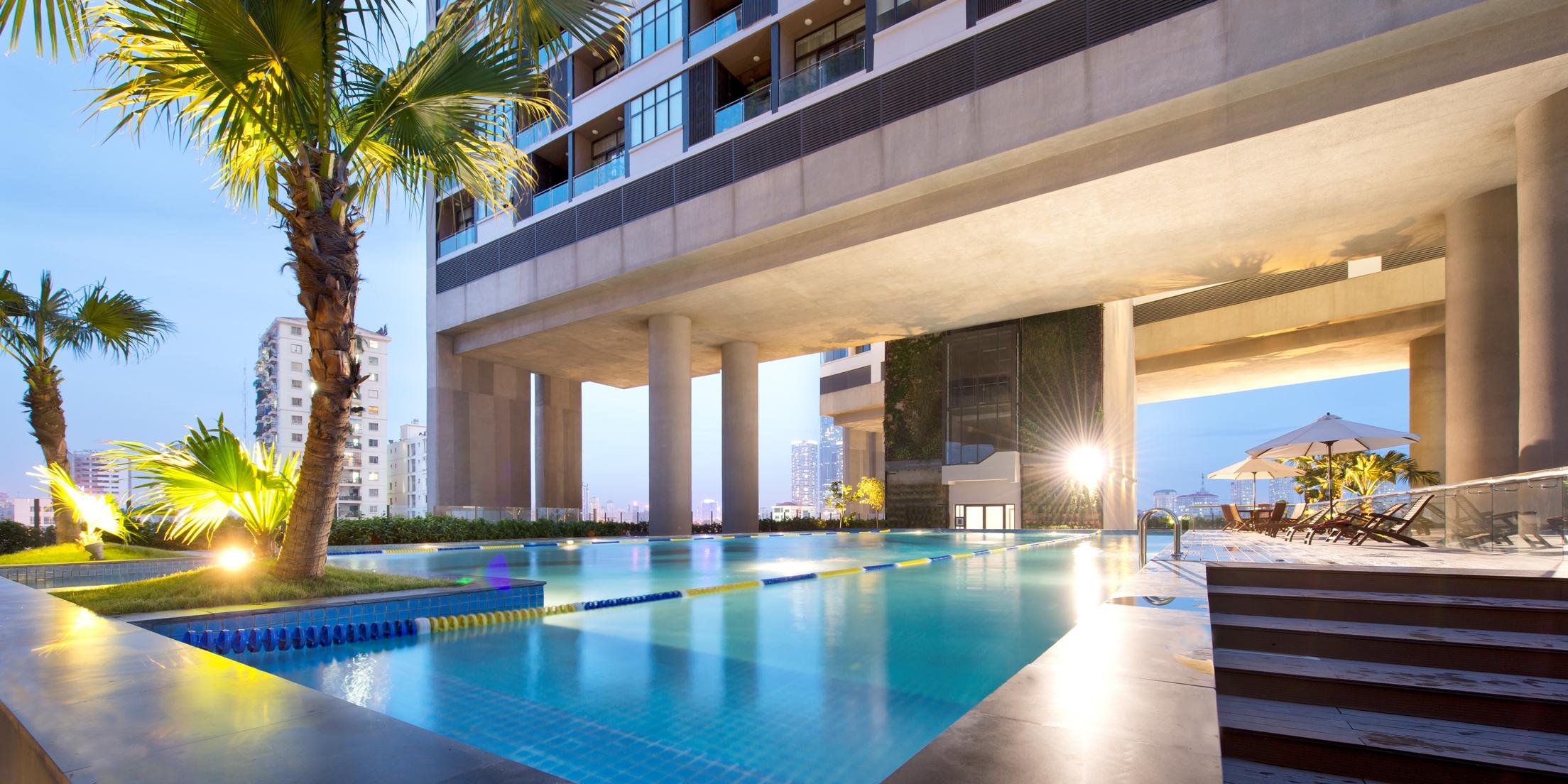 dolphin plaza tiện ích bể bơi